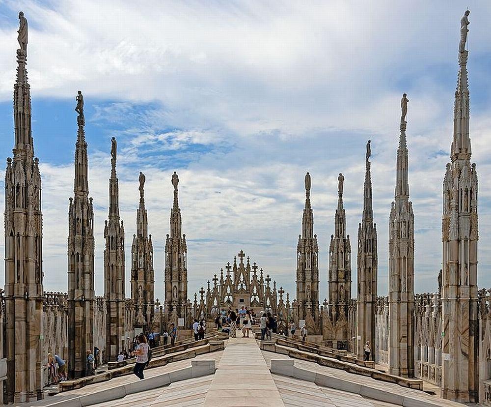 Mediolan, zwiedzanie dachów katedry Duomo / Wikimedia Commons