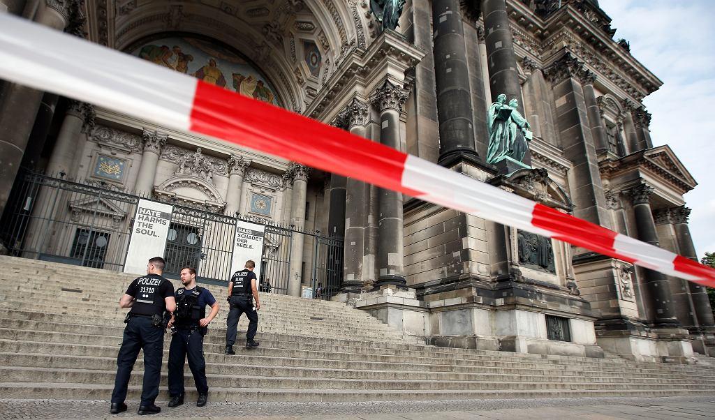 Katedra w Berlinie. W świątynii padły strzały