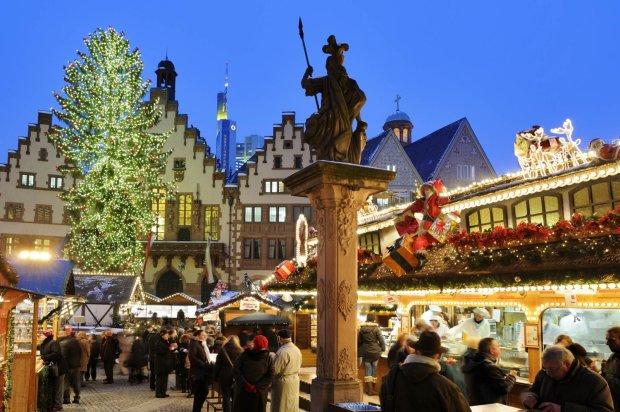 Świąteczny jarmark we Frankfurcie