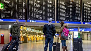 Niemcy planują zaostrzyć restrykcje. Możliwe zablokowanie ruchu lotniczego