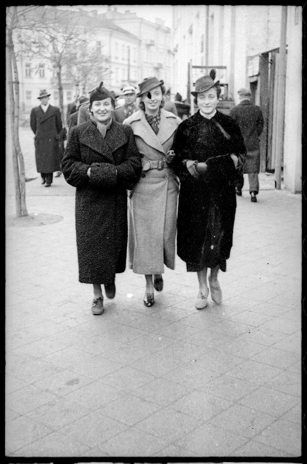 Zdjęcie numer 11 w galerii - Zdarzyło się... 1 listopada 1936 roku. Niepublikowane zdjęcia sprzed 81 lat