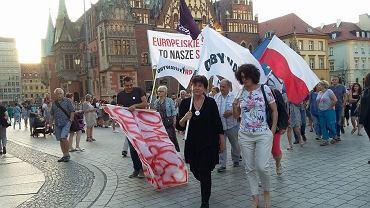 Protest w obronie sądów. Europo nie odpuszczaj we Wrocławiu