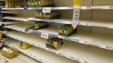 Przez koronawirusa Polacy zaczęli wykupować produkty. Sprzedaż niektórych wzrosła o prawie 100 procent