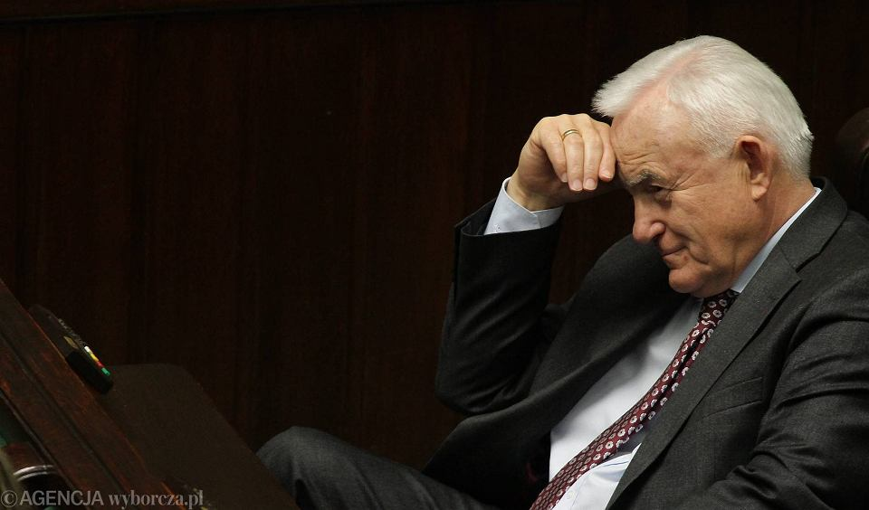 Dawny komunistyczny sekretarz, obecnie szef SLD Leszek Miller usprawiedliwia rosyjską agresję na Ukrainę: -