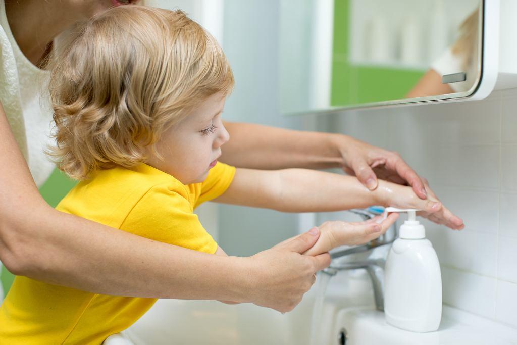 Jak nauczyć dziecko myć ręce?