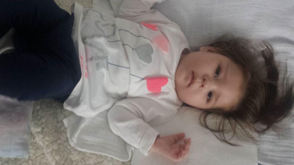 Roczna Tosia choruje na padaczkę lekooporną. Dziecko wymaga drogiego leczenia