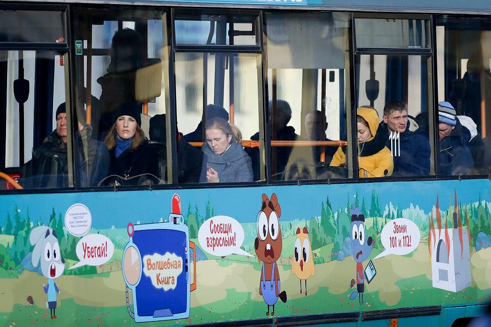 Ludzie w tramwaju, Mińsk, 31 marca 2020.