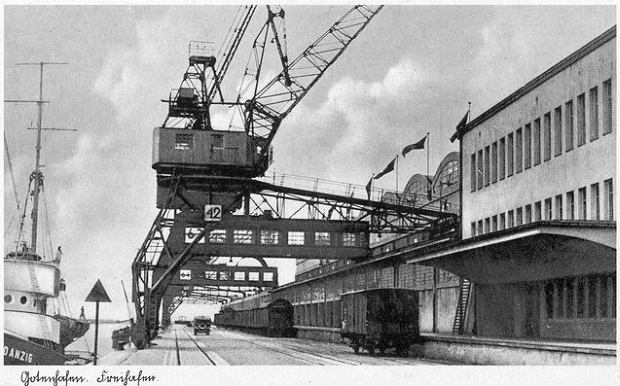 Zdjęcie numer 5 w galerii - Dworzec Morski w Gdyni skończył 85 lat. Zobacz, jak się zmieniał [ARCHIWALNE ZDJĘCIA]