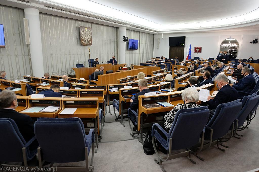 Senat przypadkowo przyjął poprawkę zgłoszoną przez PiS. Sejm naprawił błąd