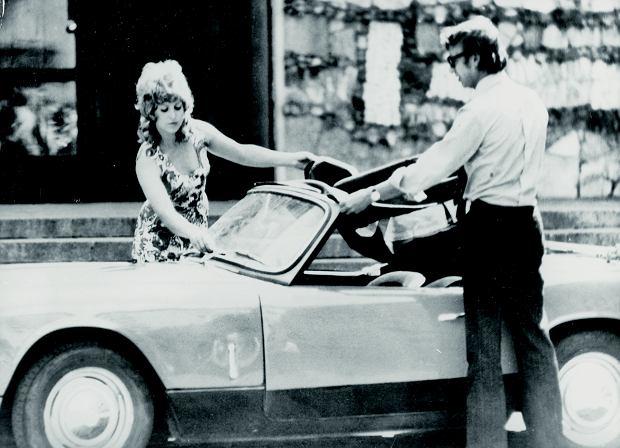 1972. Kadr z filmu 'Poszukiwany, poszukiwana' w rezyserii Stanislawa Barei