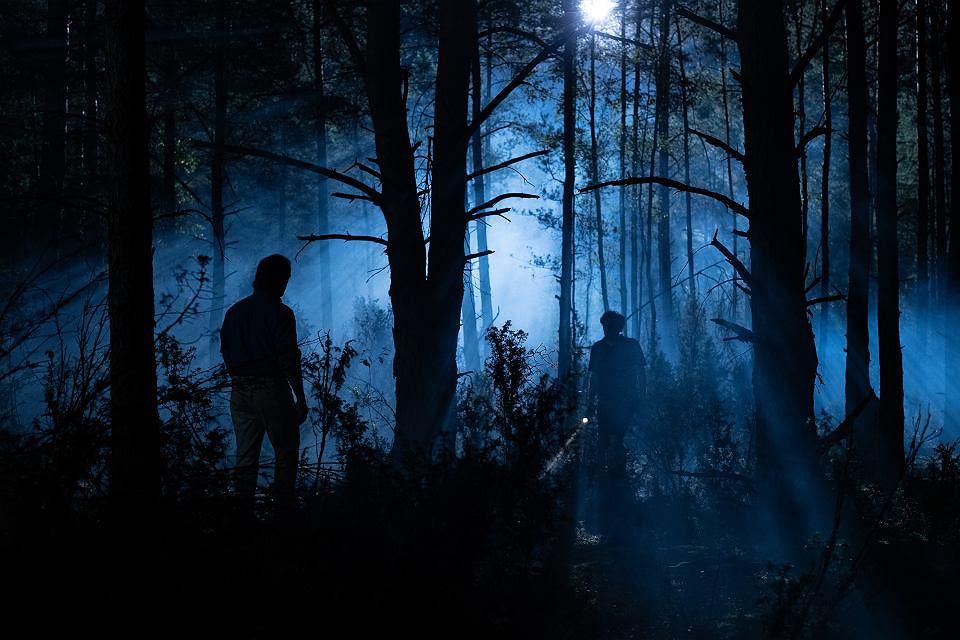Kadr z serialu 'W głębi lasu' na podstawie kryminału Harlana Cobena