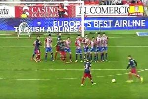 Primera Division. Antoine Griezmann wykonał idealny rzut wolny? [WIDEO]