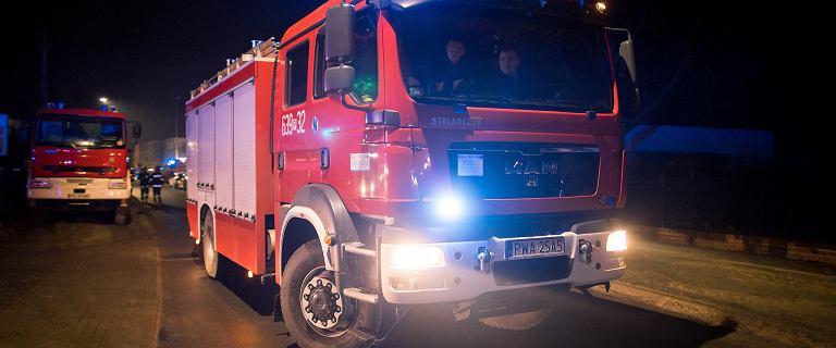 Wybuch gazu w kamienicy na Pradze-Południe. 1 osoba ciężko poparzona, nadzór budowlany na miejscu
