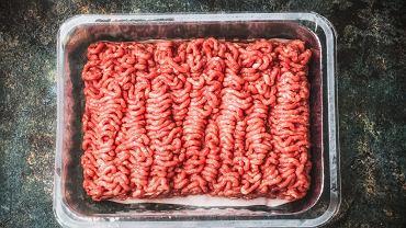 Czym różni się mięso garmażeryjne od mięsa mielonego? Wbrew pozorom to nie są dwa takie same produkty