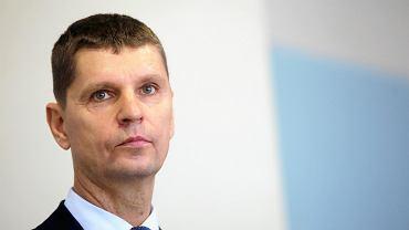 500 zł dla nauczycieli ma wystarczyć na e-lekcje? Wiceminister odpowiada