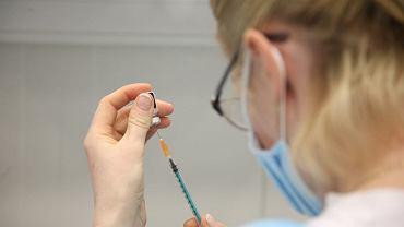 Szczepienia przeciw COVID-19 (zdjęcie ilustracyjne)