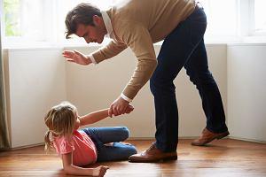 Francja zakazuje bicia dzieci. W Europie już tylko cztery państwa pozwalają rodzicom na klapsy