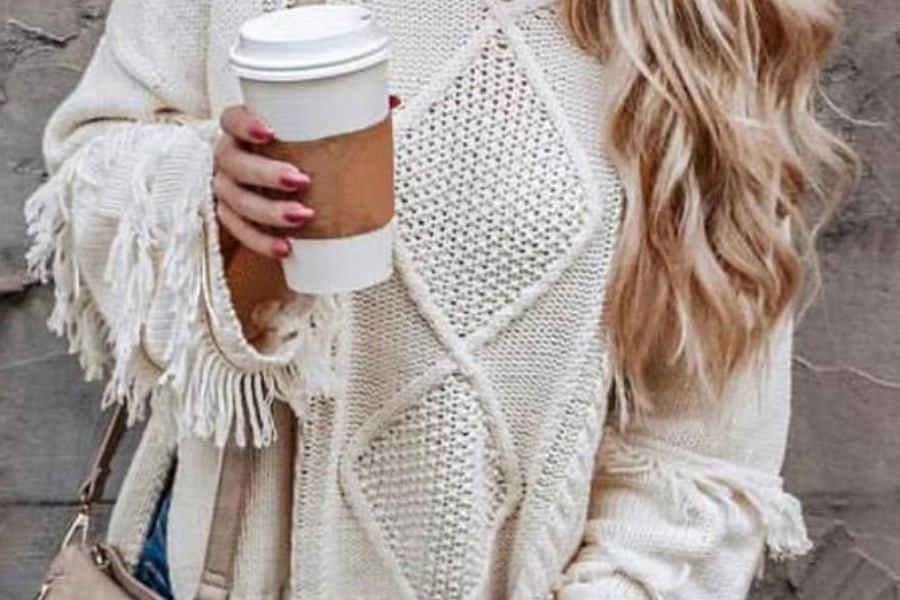 swetry z frędzlami