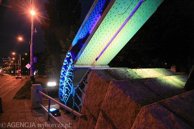 Zdjęcie numer 15 w galerii - Most Grunwaldzki nocą z nowymi światełkami. Jak Wam się podoba? [ZDJĘCIA]