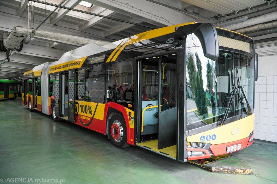 Autobus elektryczny Solaris w barwach warszawskiego MZA na testach w Poznaniu