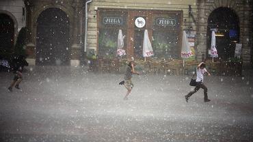 Pogoda w poniedziałek na Podkarpaciu. Będą burze z gradem