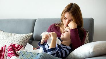 Opieka nad dzieckiem 2020: komu przysługuje i na jakich zasadach?