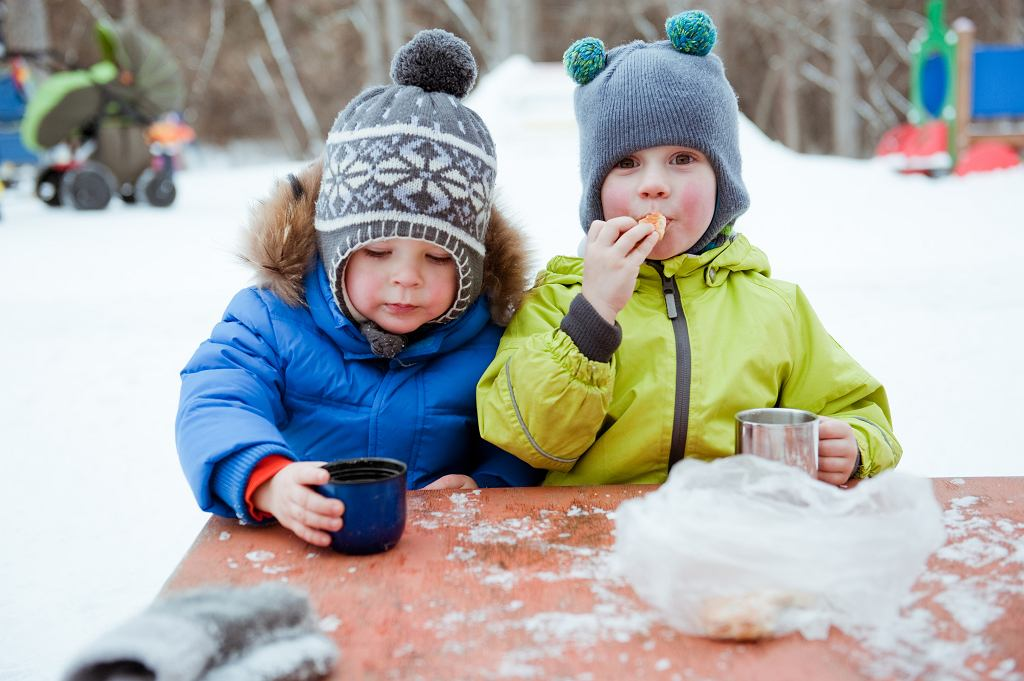 Ferie zimowe 2019/2020 powoli dobiegają końca. Wypoczywają uczniowie z ostatnich województw