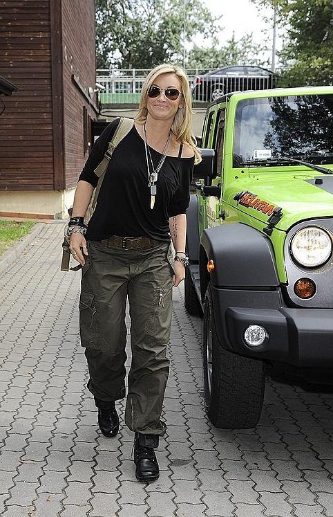 martyna wojciechowska, konferencja ramówkowa tvn, samochód, jeep