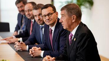 Preier Mateusz Morawiecki podczas szczytu budżetowego Unii Europejskiej, 21 lutego 2020