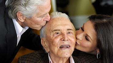 Kirk Douglas nie zostawił rodzinie ani grosza. Ogromny majątek przekazał na organizacje charytatywne