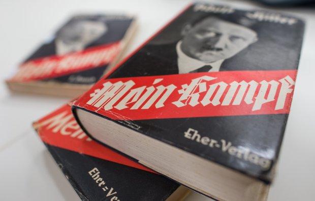 'Mein Kampf' Adolfa Hitlera