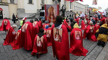 Przemarsz Rycerzy Jezusa w intencji intronizacji Jezusa Chrystusa na króla Polski, Warszawa, 12.09.2015