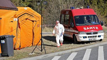 Pandemia koronawirusa. Przejście graniczne ze Słowacją w Chyżnem.