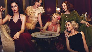 Bohaterki serialu 'Telefonistki, od lewej: Blanca Suárez, Nadia de Santiago, Maggie Civantos, Ana Polvorosa i Ana Fernández