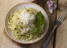 Spaghetti migdałowo-bazyliowe - ugotuj