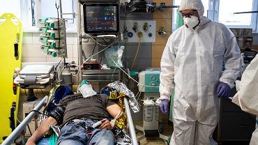 29-latek spędził cztery miesiące w szpitalu z powodu koronawirusa
