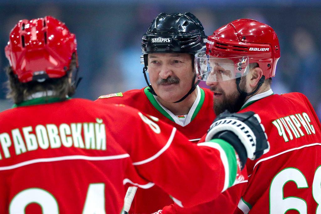 Prezydent Białorusi Aleksandr Łukaszenka podczas meczu hokeja, 28 marca 2020.