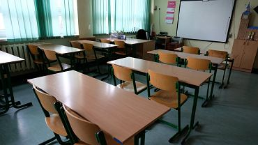 Pandemia koronawirusa. Zamknięta szkoła podstawowa nr 103 w Warszawie, 12 marca 2020