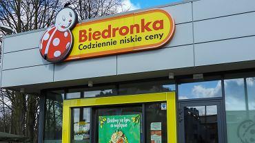 Biedronka sprzedaje torebki, które są prawdziwym hitem wśród kobiet. Kosztują mniej niż 30 zł (zdjęcie ilustracyjne)