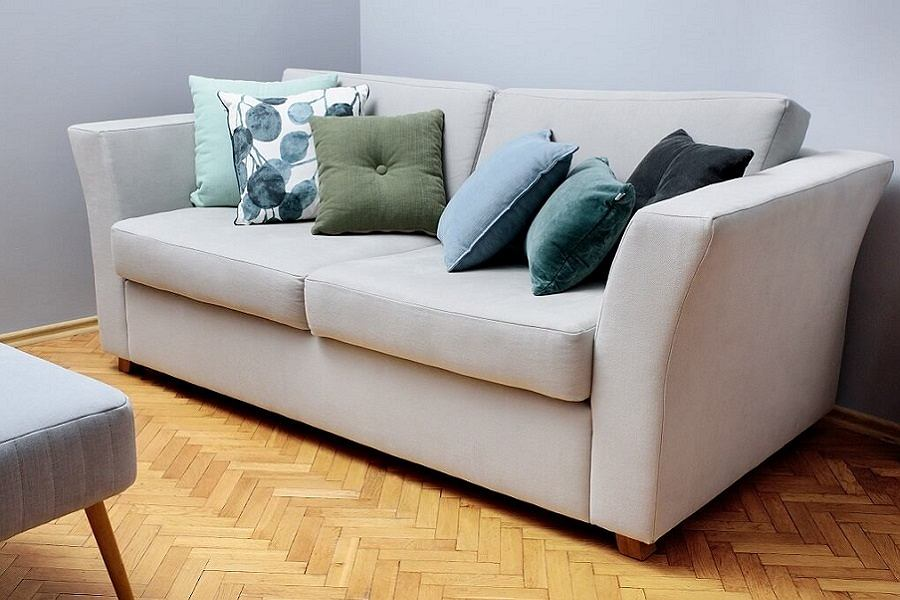 Rozkładana kanapa do salonu.
