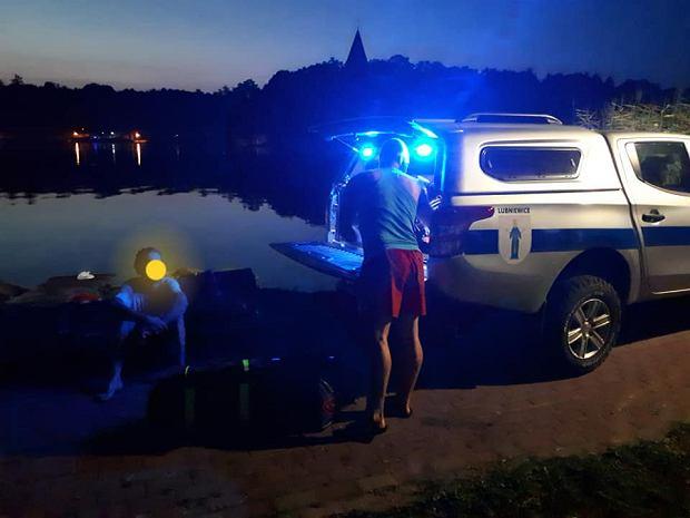 Lubniewice. Dwóch pijanych mężczyzn chciało popływać łódką. WOPR domaga się zwrotu kosztów akcji