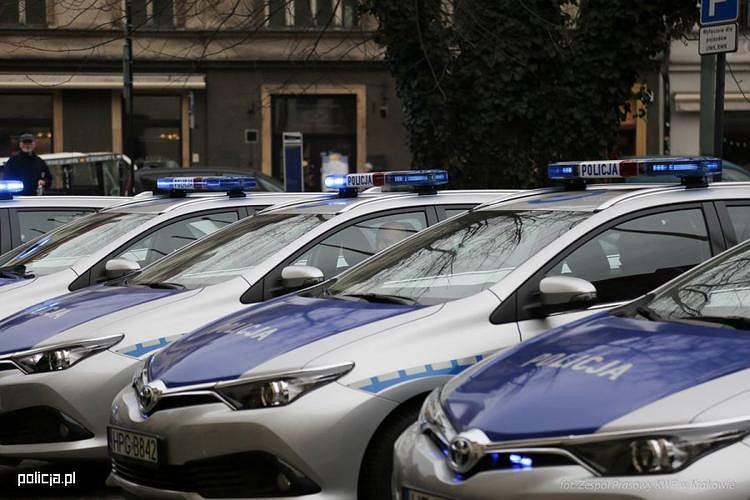 Policyjna Toyota Auris Hybrid