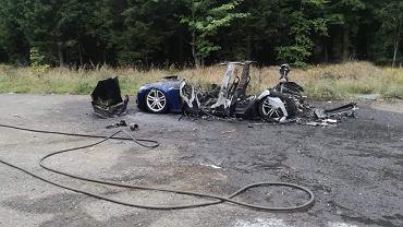 Pożar Tesli. Samochód spłonął pod Wałbrzychem