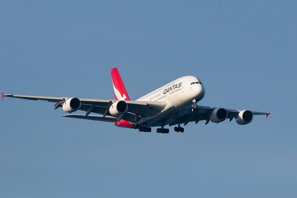 Linie lotnicze Qantas chcą zachęcić podróżnych do szczepień