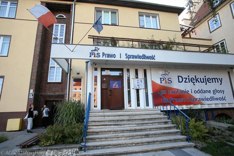 https://bi.im-g.pl/im/7c/e8/17/z25068412V,Siedziba-PiS-w-Szczecinie--To-tu-ma-obradowac-rada.jpg