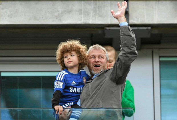 Football - Chelsea v Crystal Palace - Barclays Premier League - Stamford Bridge - 3/5/15 Chelsea owner Roman Abramovich celebrates with son Aaron after winning the Barclays Premier League Action Images via Reuters / John Sibley Livepic EDITORIAL USE ONLY. No use with unauthorized audio, video, data, fixture lists, club/league logos or