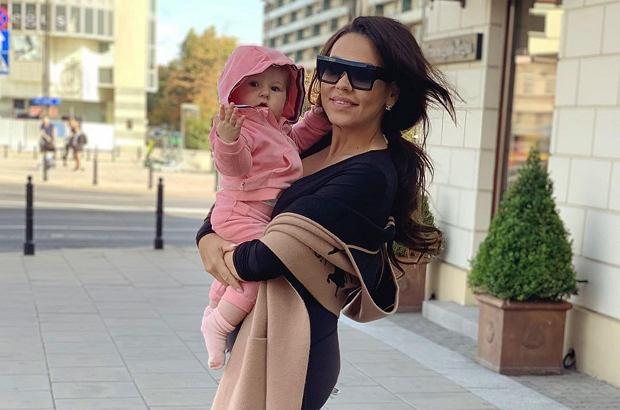 Sylwia Bomba na Instagramie opublikowała zdjęcie w takiej samej stylizacji jak jej córka Tosia. Obie panie gotowe są już na zbliżające się Halloween.
