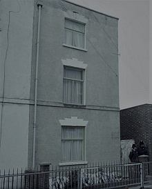 Dom Westów przy Cromwell Street 25