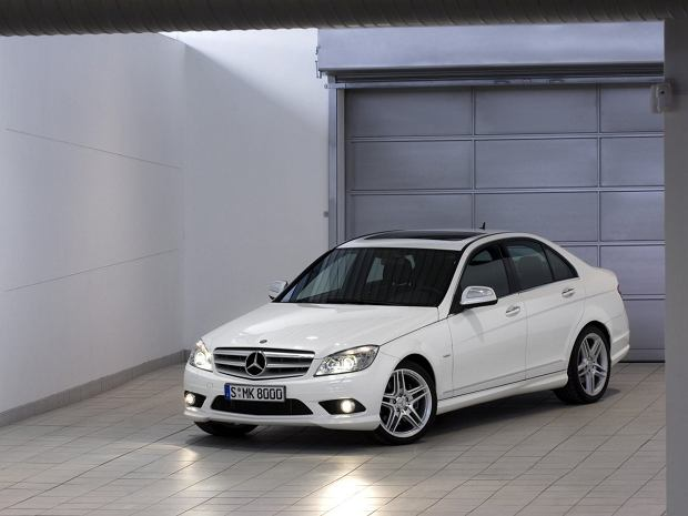 Używany Mercedes Klasy C W204 - opinie. Co psuje się najczęściej, a na którą wersję najlepiej postawić?
