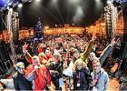 Finał WOŚP w Bydgoszczy. Tłum ludzi na Starym Rynku